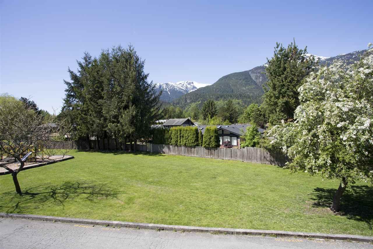 Townhouse at 15 1500 JUDD ROAD, Unit 15, Squamish, British Columbia. Image 17