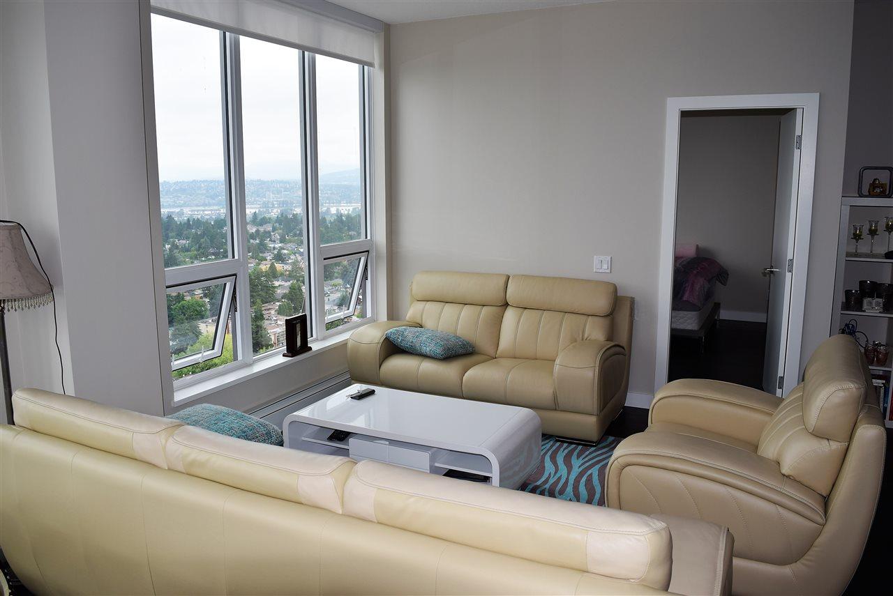 Condo Apartment at 3602 13398 104 AVENUE, Unit 3602, North Surrey, British Columbia. Image 4