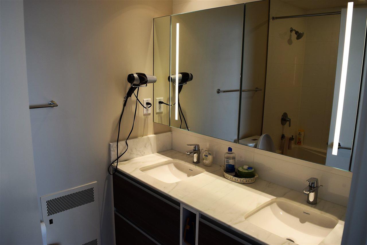 Condo Apartment at 3602 13398 104 AVENUE, Unit 3602, North Surrey, British Columbia. Image 7