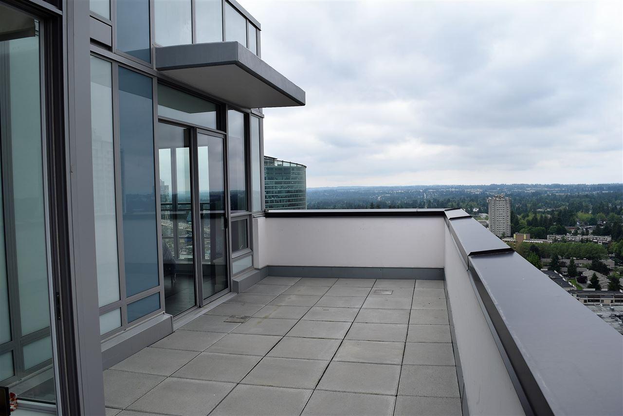 Condo Apartment at 3602 13398 104 AVENUE, Unit 3602, North Surrey, British Columbia. Image 12