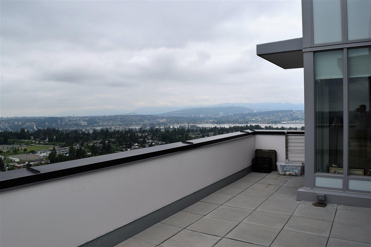 Condo Apartment at 3602 13398 104 AVENUE, Unit 3602, North Surrey, British Columbia. Image 13