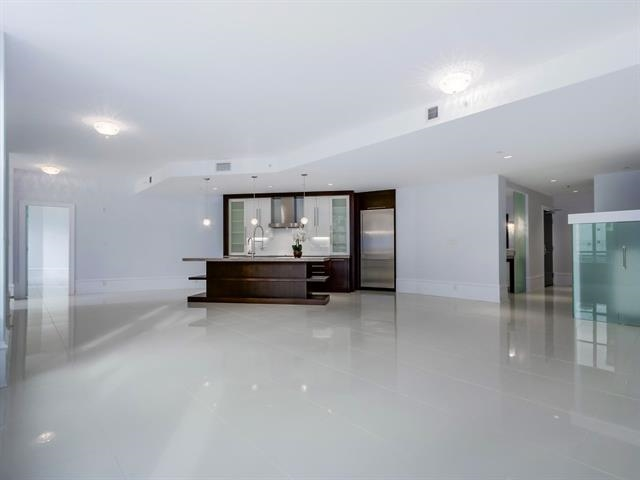 Condo Apartment at 304 1102 HORNBY STREET, Unit 304, Vancouver West, British Columbia. Image 5