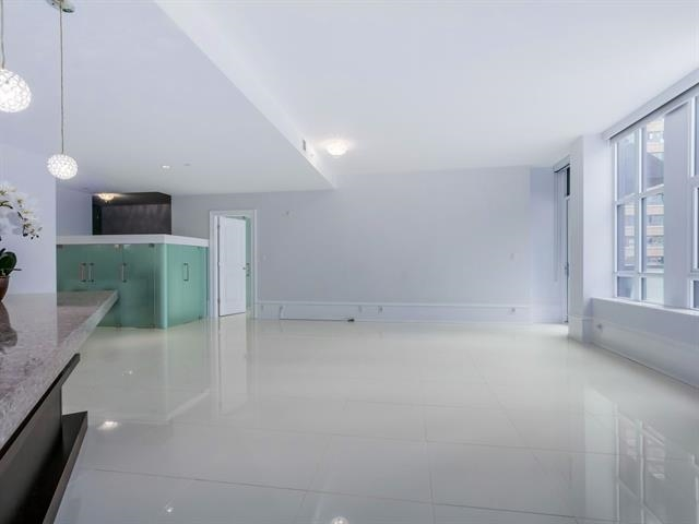 Condo Apartment at 304 1102 HORNBY STREET, Unit 304, Vancouver West, British Columbia. Image 7