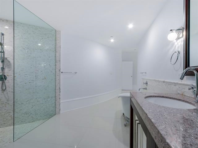 Condo Apartment at 304 1102 HORNBY STREET, Unit 304, Vancouver West, British Columbia. Image 19