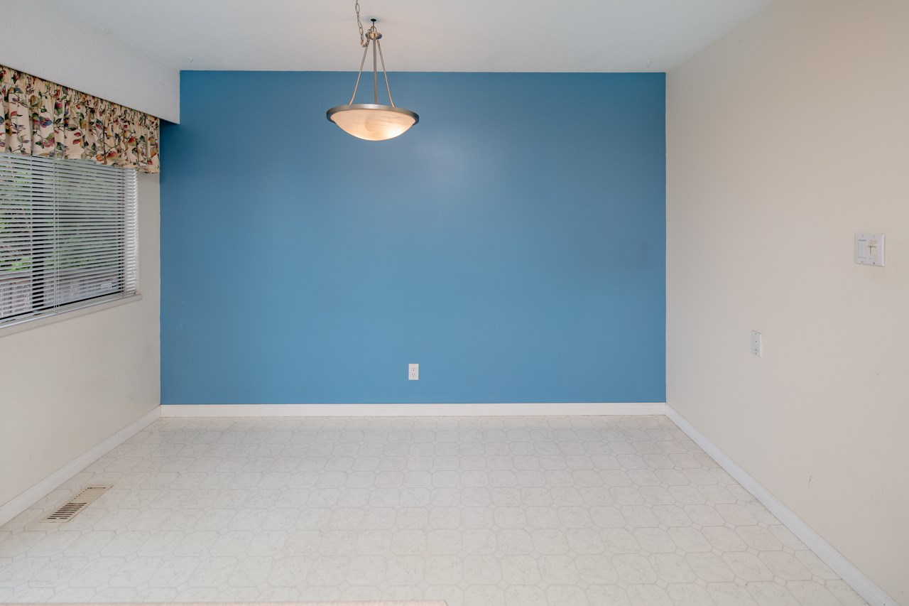 Detached at 7180 PARRY STREET, Richmond, British Columbia. Image 6