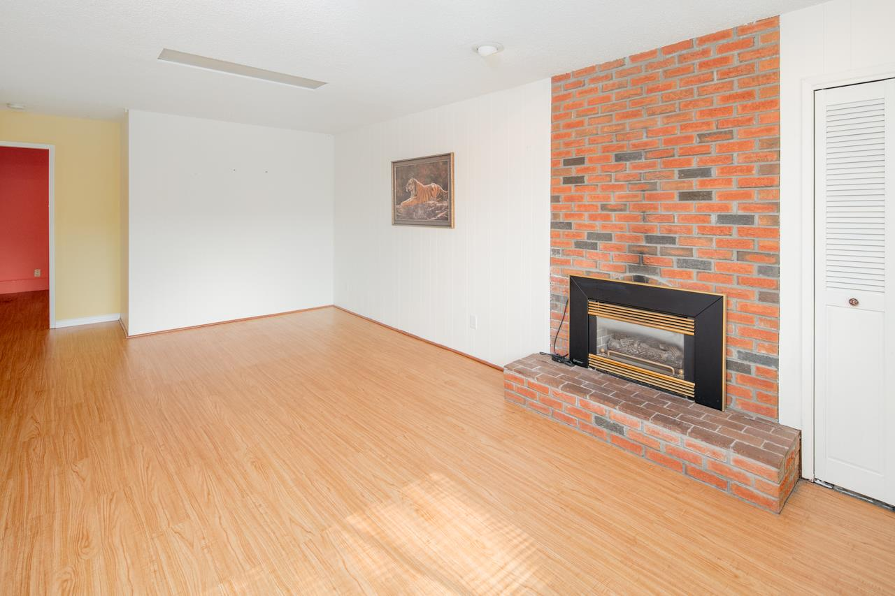 Detached at 7180 PARRY STREET, Richmond, British Columbia. Image 9