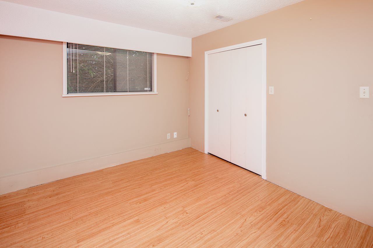 Detached at 7180 PARRY STREET, Richmond, British Columbia. Image 10