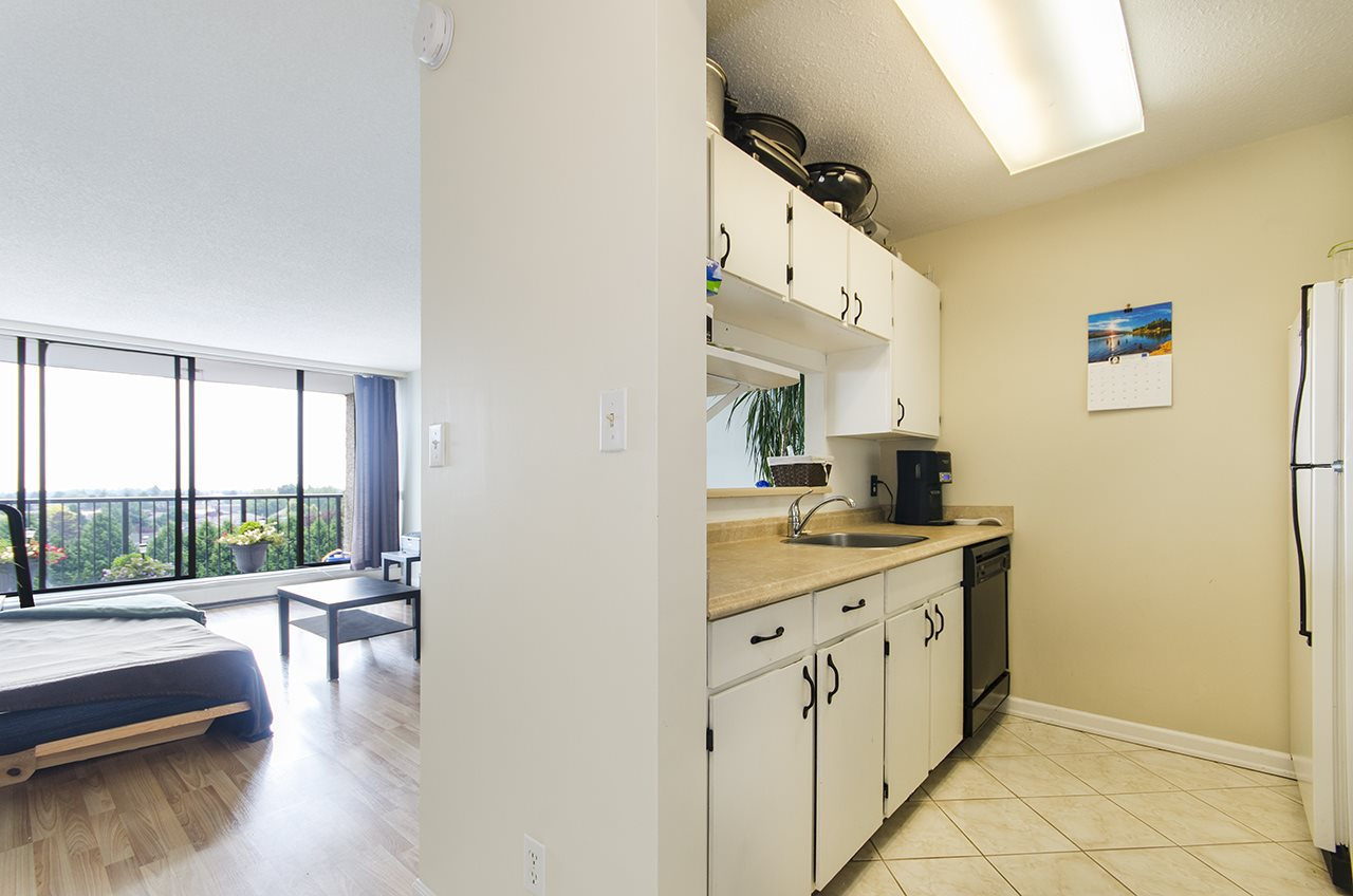 Condo Apartment at 706 9300 PARKSVILLE DRIVE, Unit 706, Richmond, British Columbia. Image 3