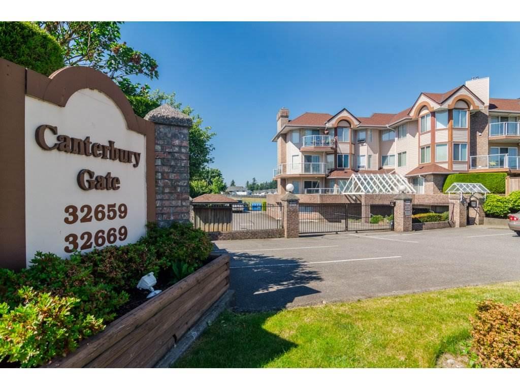 Townhouse at 18 32659 GEORGE FERGUSON WAY, Unit 18, Abbotsford, British Columbia. Image 2