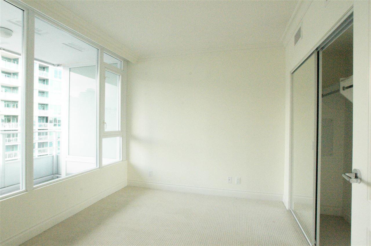 Condo Apartment at 1006 133 E ESPLANADE BOULEVARD, Unit 1006, North Vancouver, British Columbia. Image 7