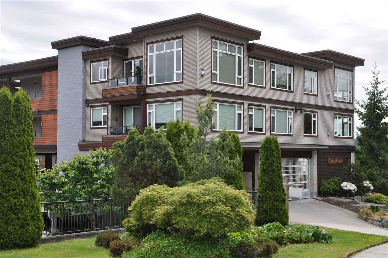Condo Apartment at 12 5780 TRAIL AVENUE, Unit 12, Sunshine Coast, British Columbia. Image 1
