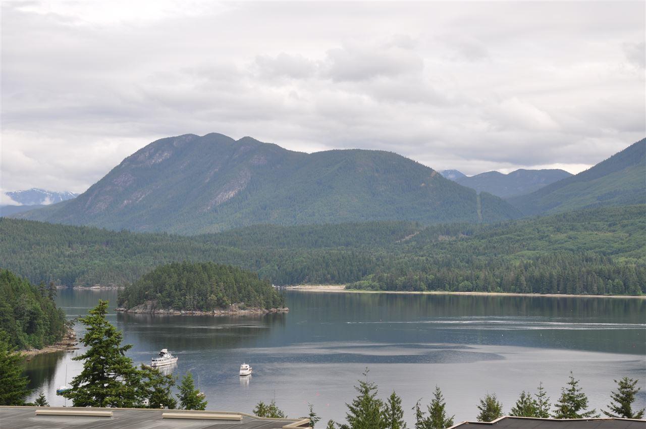 Condo Apartment at 12 5780 TRAIL AVENUE, Unit 12, Sunshine Coast, British Columbia. Image 2