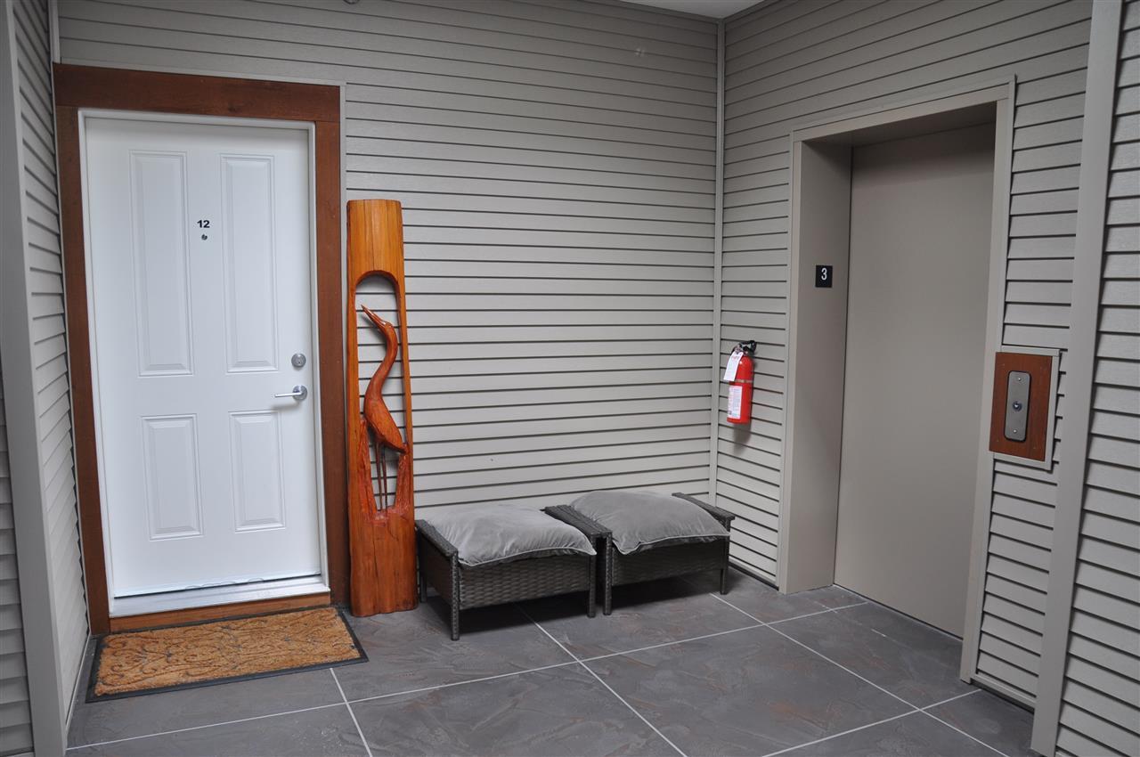 Condo Apartment at 12 5780 TRAIL AVENUE, Unit 12, Sunshine Coast, British Columbia. Image 3