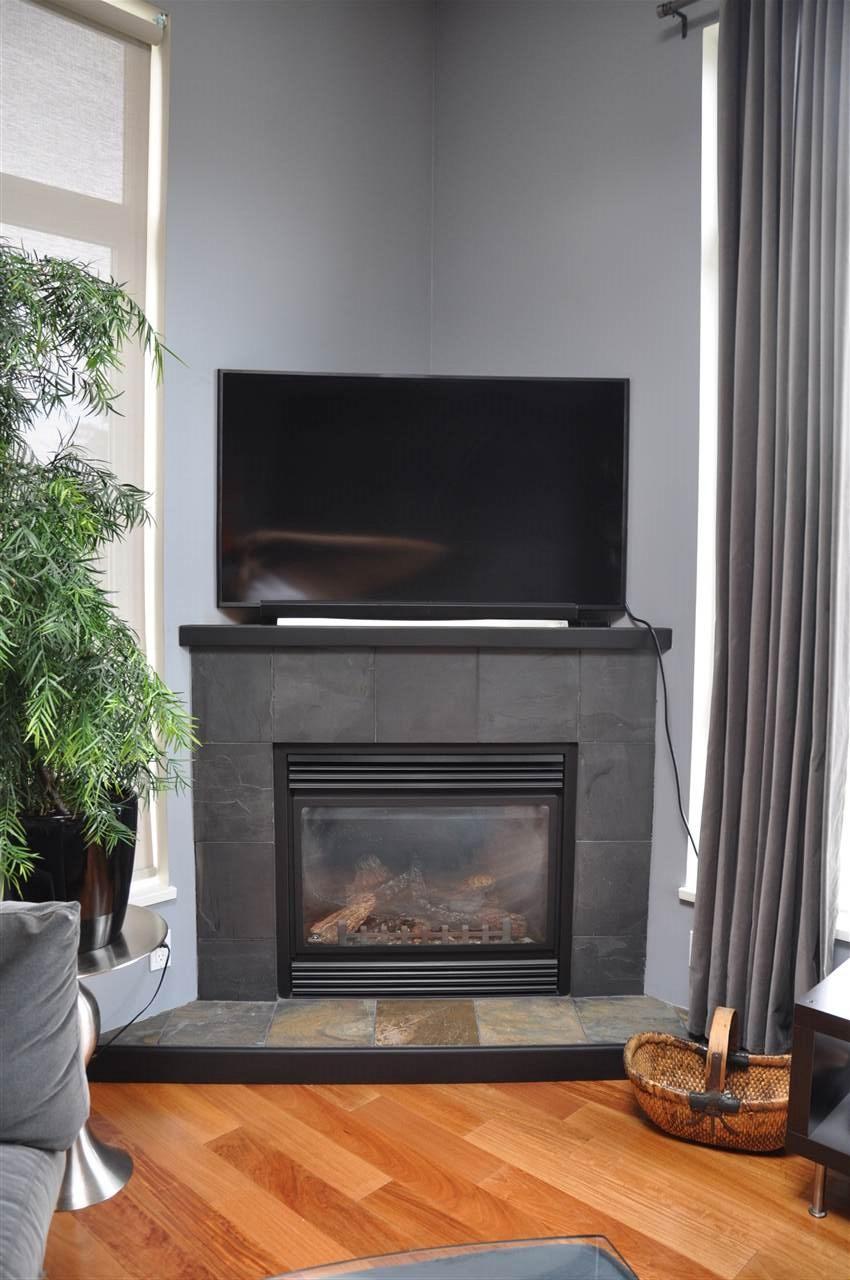 Condo Apartment at 12 5780 TRAIL AVENUE, Unit 12, Sunshine Coast, British Columbia. Image 8