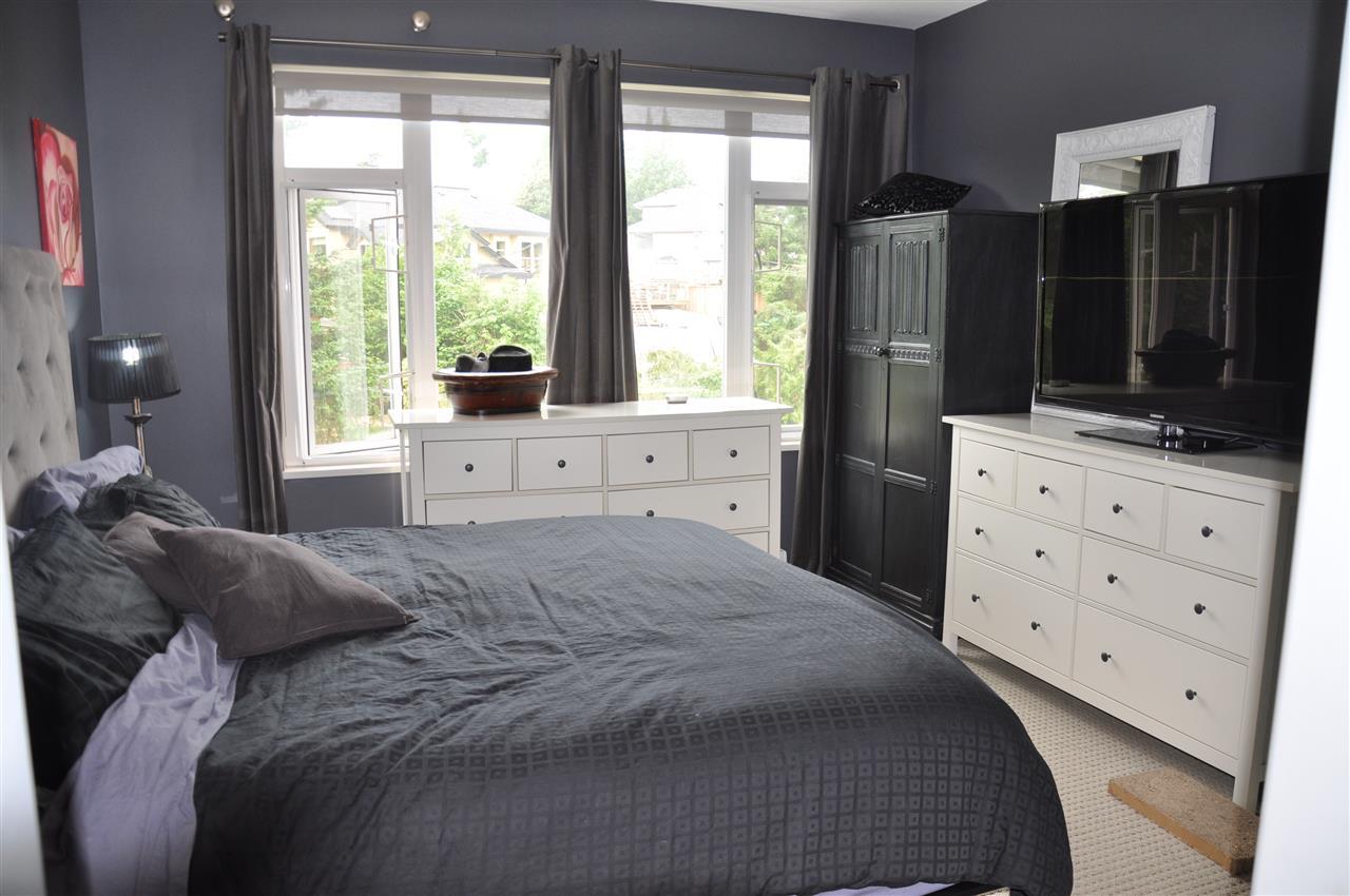 Condo Apartment at 12 5780 TRAIL AVENUE, Unit 12, Sunshine Coast, British Columbia. Image 10
