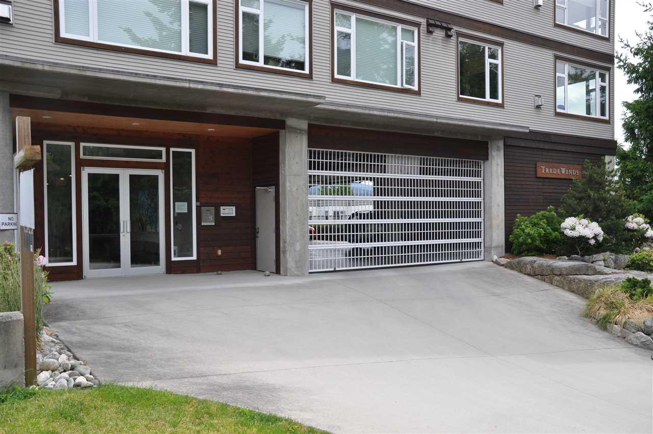 Condo Apartment at 12 5780 TRAIL AVENUE, Unit 12, Sunshine Coast, British Columbia. Image 18