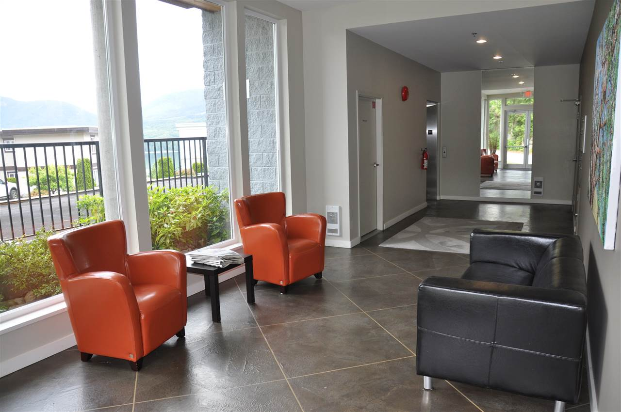 Condo Apartment at 12 5780 TRAIL AVENUE, Unit 12, Sunshine Coast, British Columbia. Image 20