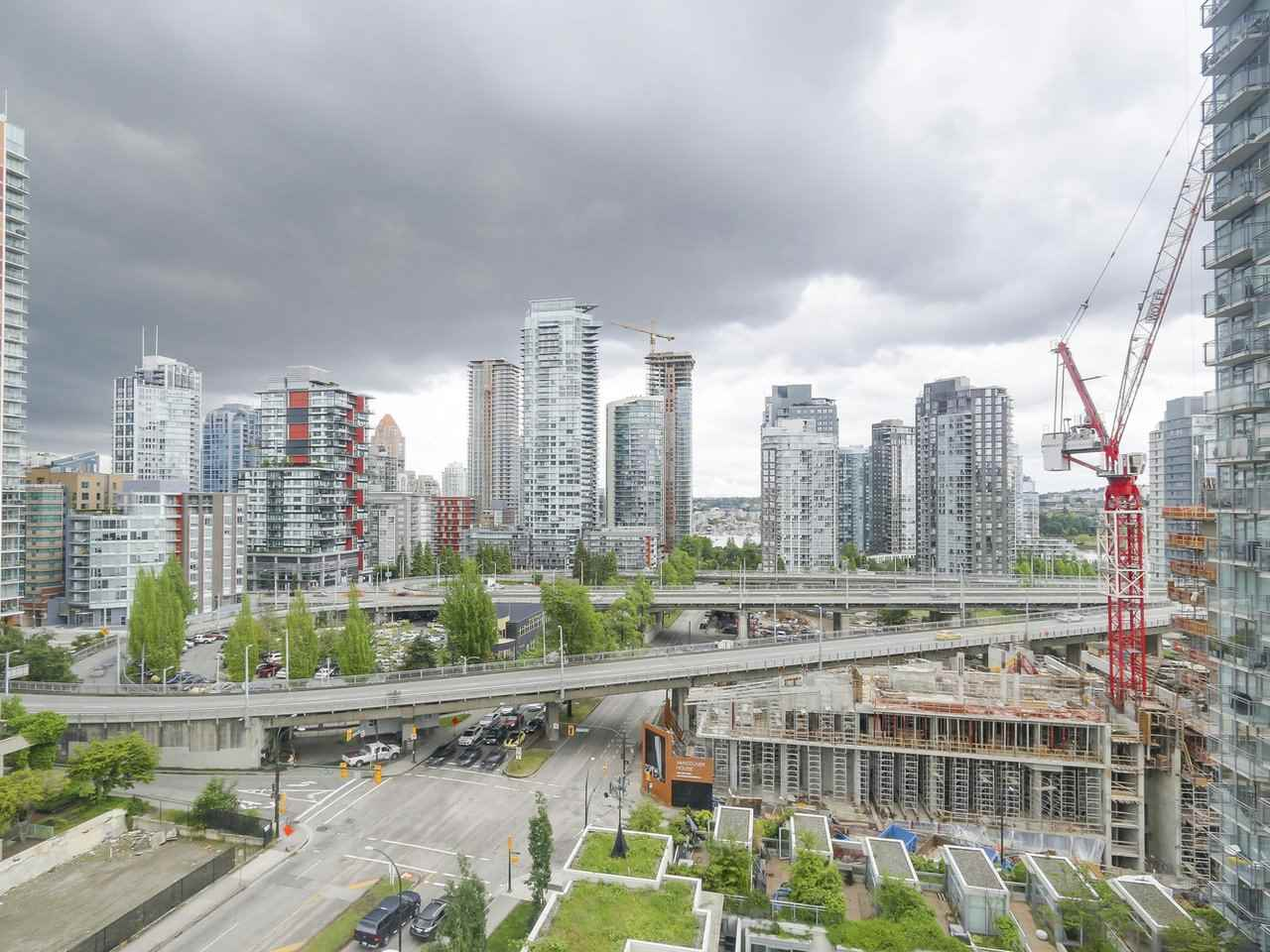 Condo Apartment at 1202 888 PACIFIC STREET, Unit 1202, Vancouver West, British Columbia. Image 10