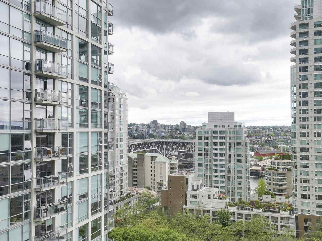 Condo Apartment at 1202 888 PACIFIC STREET, Unit 1202, Vancouver West, British Columbia. Image 11