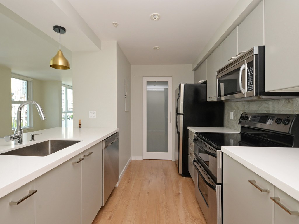 Condo Apartment at 706 1318 HOMER STREET, Unit 706, Vancouver West, British Columbia. Image 10