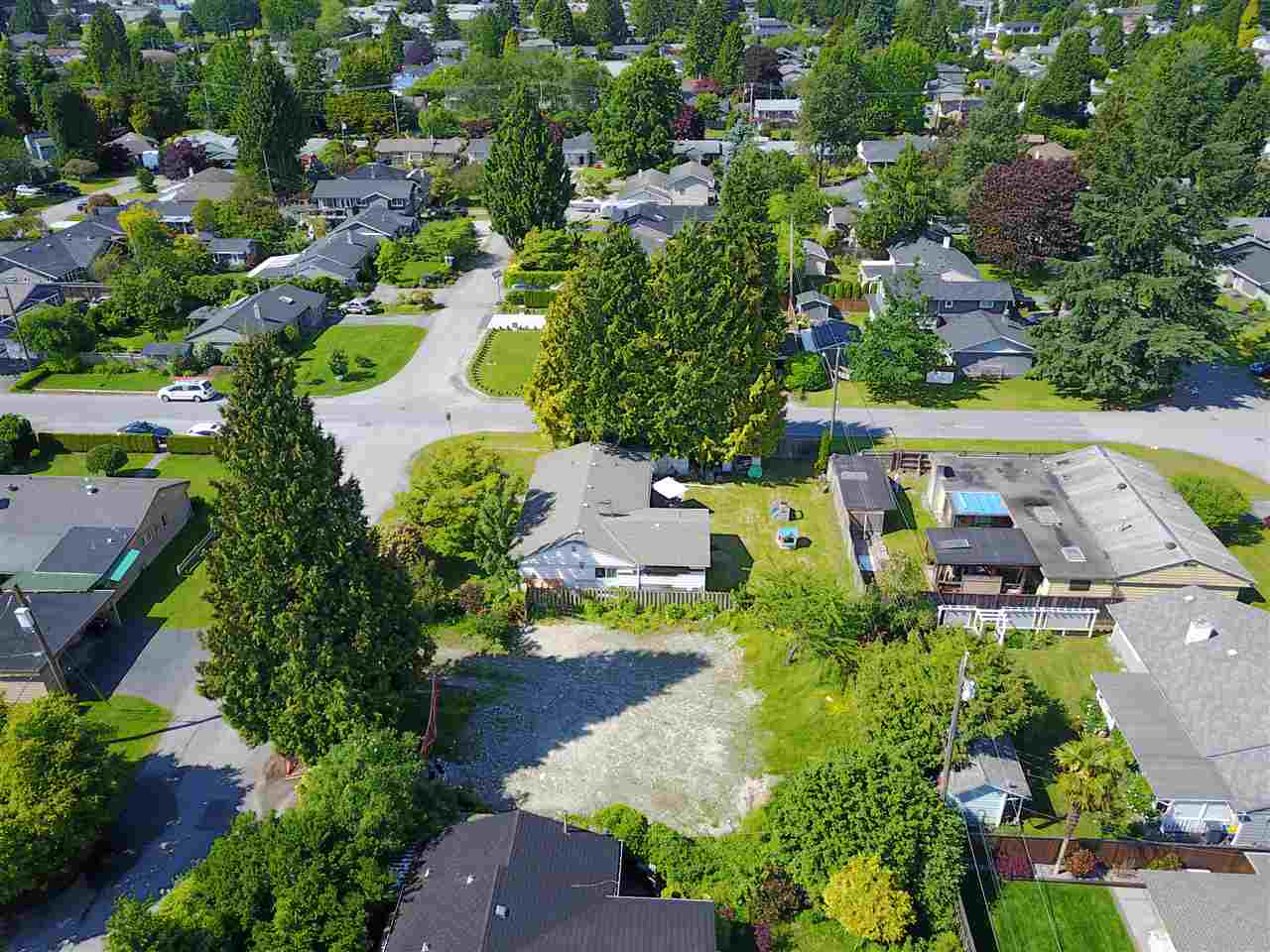 Vacant Land at 1108 MAPLEWOOD CRESCENT, North Vancouver, British Columbia. Image 2