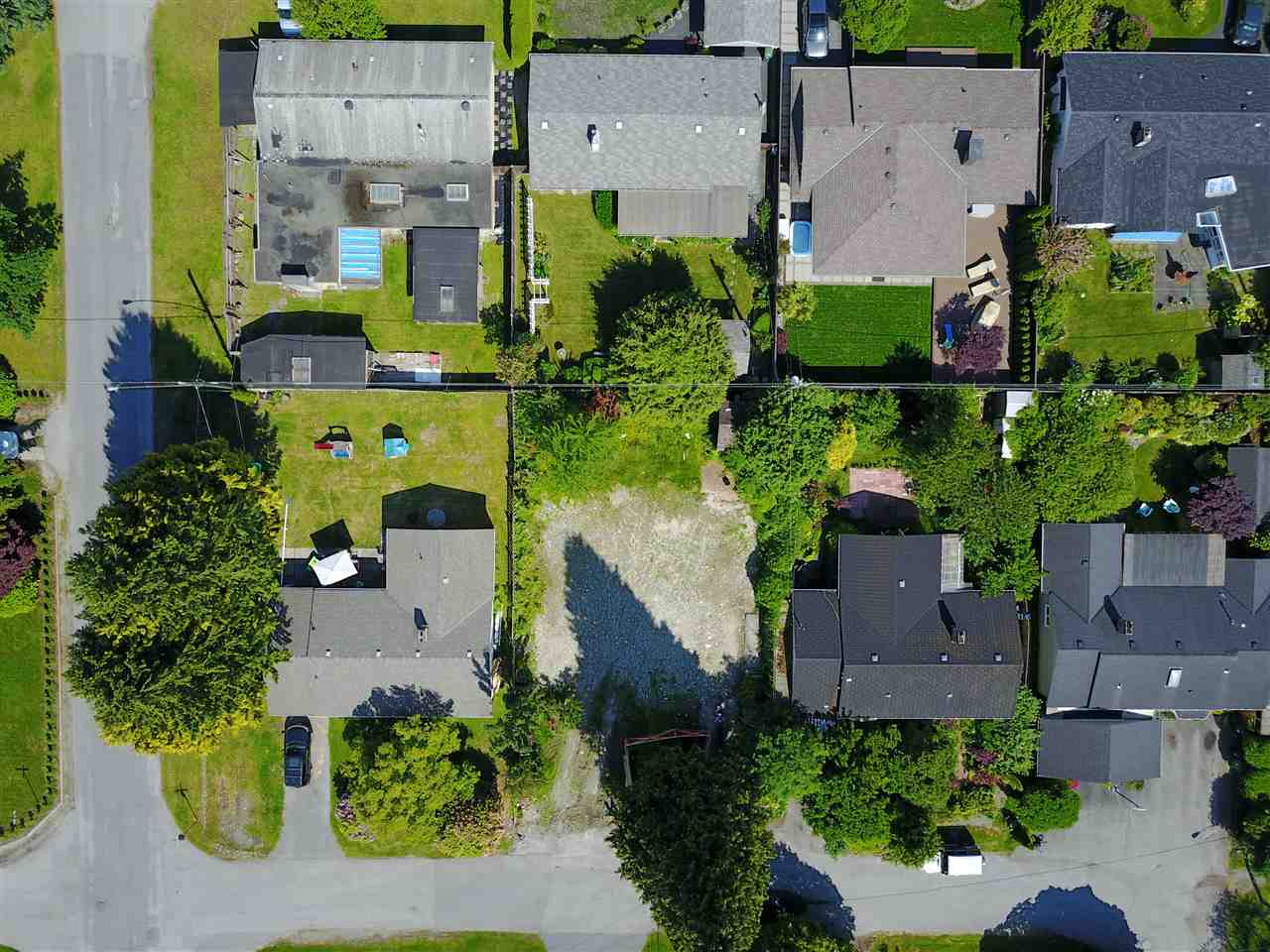 Vacant Land at 1108 MAPLEWOOD CRESCENT, North Vancouver, British Columbia. Image 6