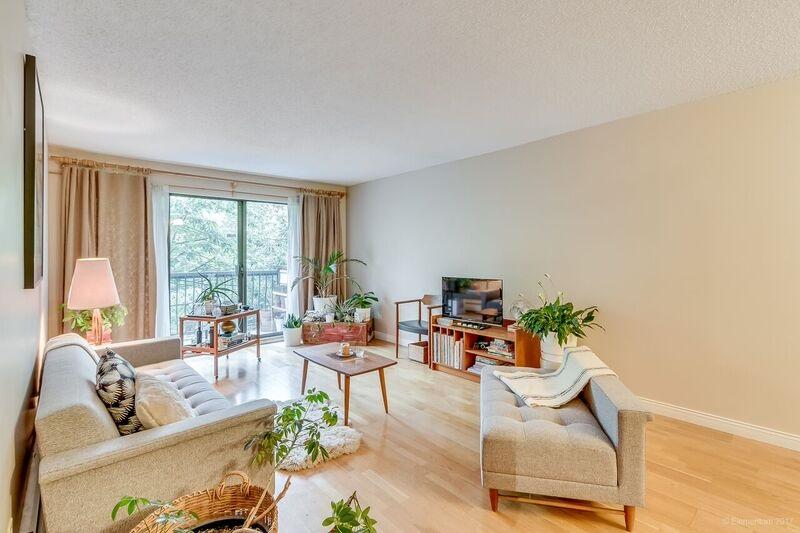 Condo Apartment at 305 334 E 5TH AVENUE, Unit 305, Vancouver East, British Columbia. Image 6
