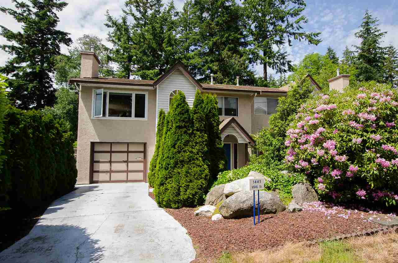 Half-duplex at 1443 VIDAL STREET, South Surrey White Rock, British Columbia. Image 1