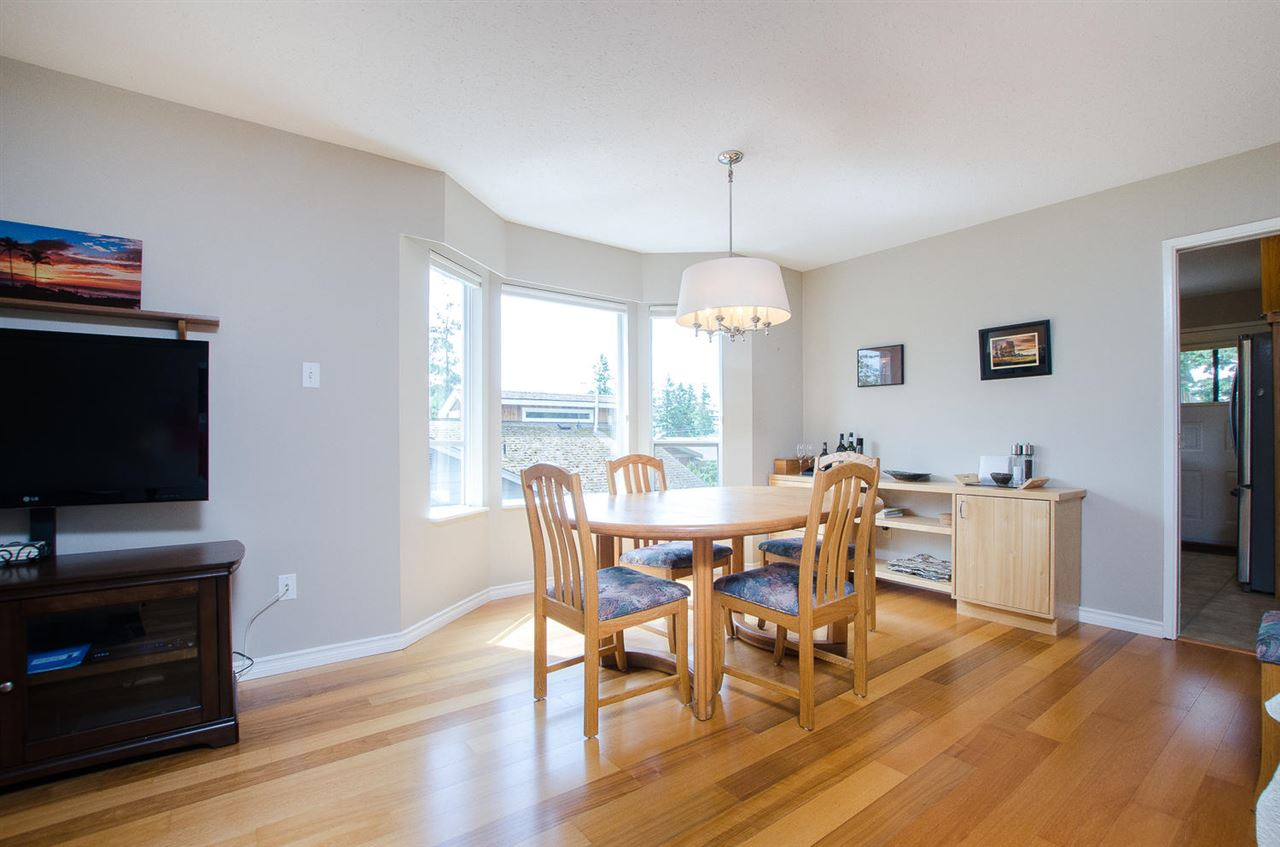 Half-duplex at 1443 VIDAL STREET, South Surrey White Rock, British Columbia. Image 6