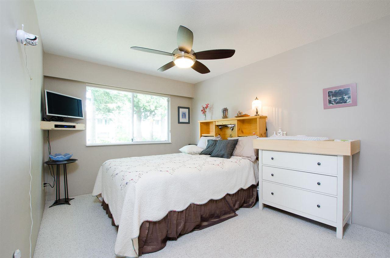Half-duplex at 1443 VIDAL STREET, South Surrey White Rock, British Columbia. Image 11