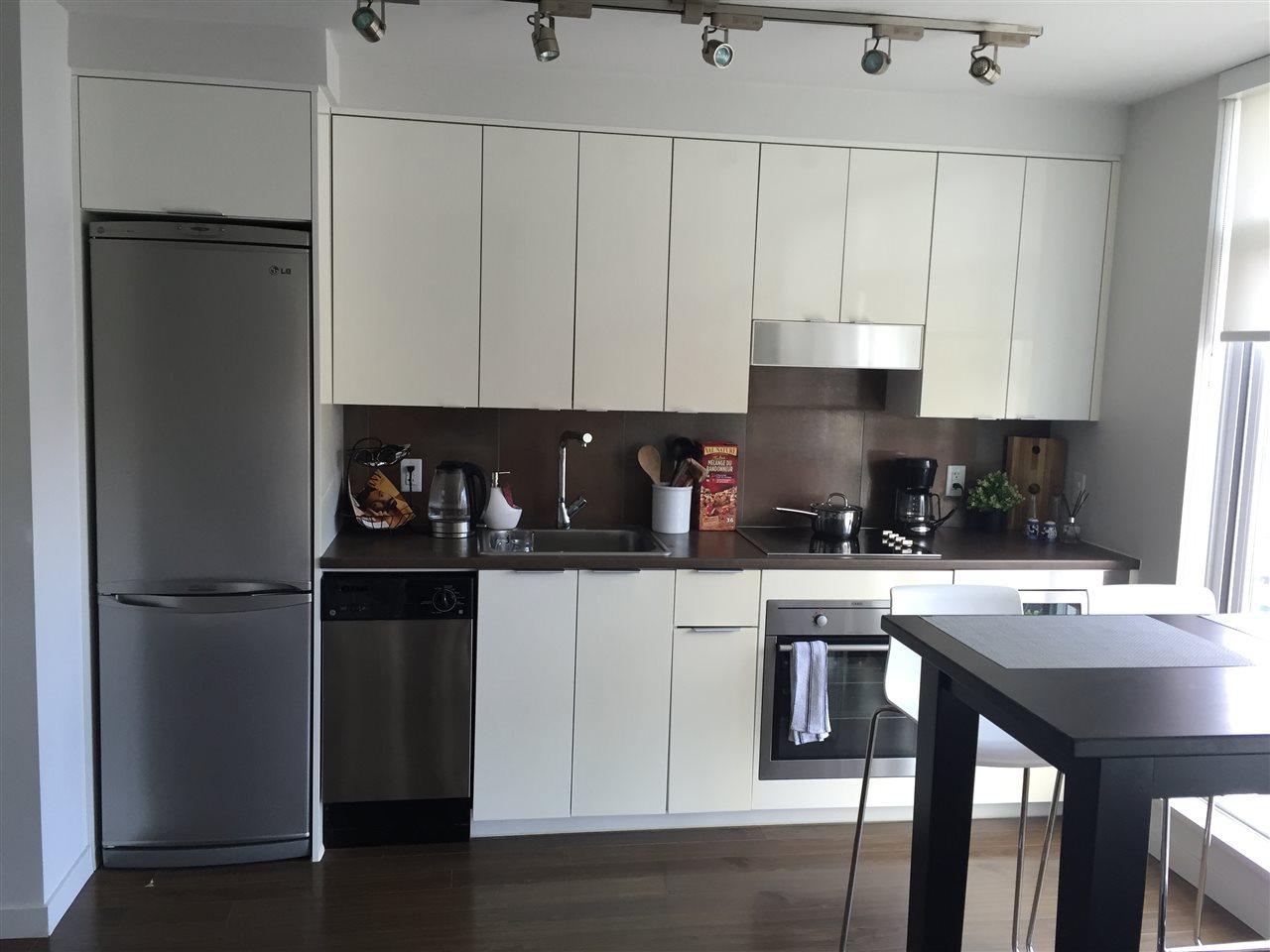 Condo Apartment at 1506 161 W GEORGIA STREET, Unit 1506, Vancouver West, British Columbia. Image 3