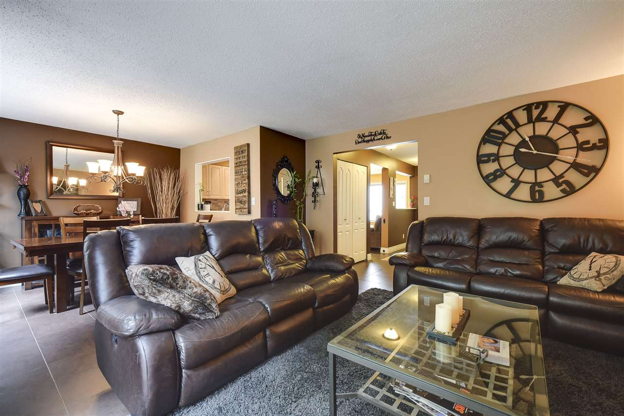 Townhouse at 3 19860 56 AVENUE, Unit 3, Langley, British Columbia. Image 8