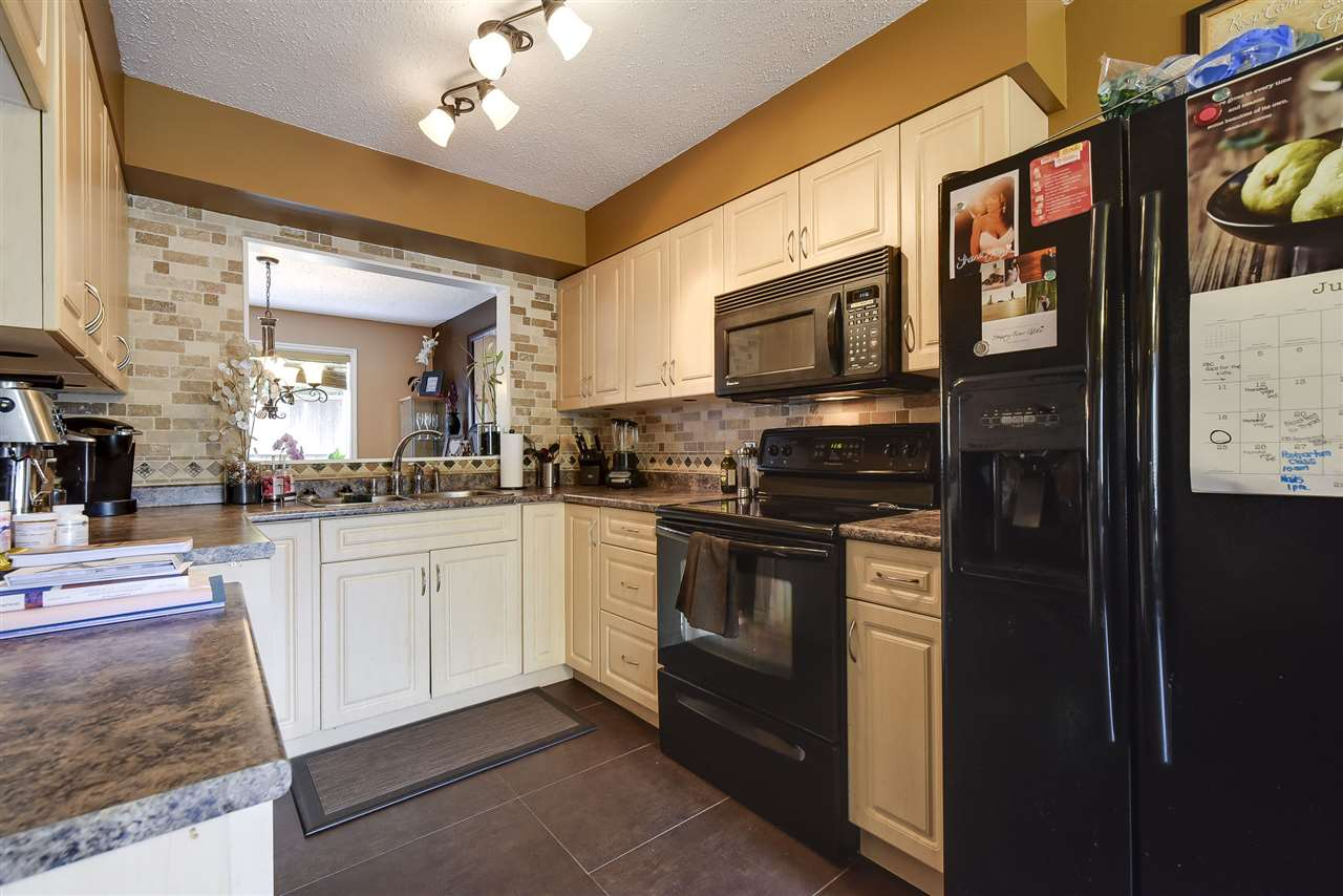 Townhouse at 3 19860 56 AVENUE, Unit 3, Langley, British Columbia. Image 9