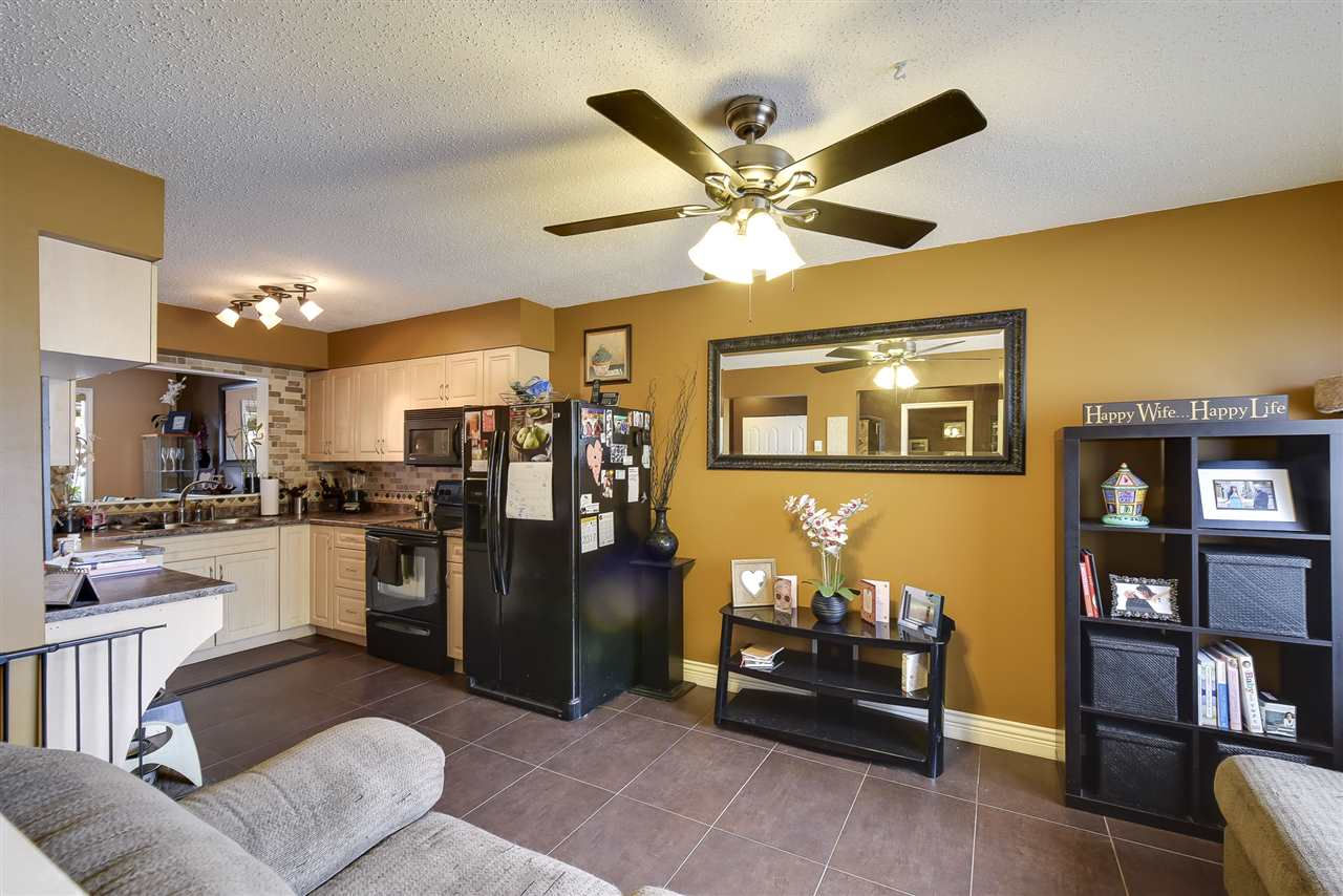 Townhouse at 3 19860 56 AVENUE, Unit 3, Langley, British Columbia. Image 11
