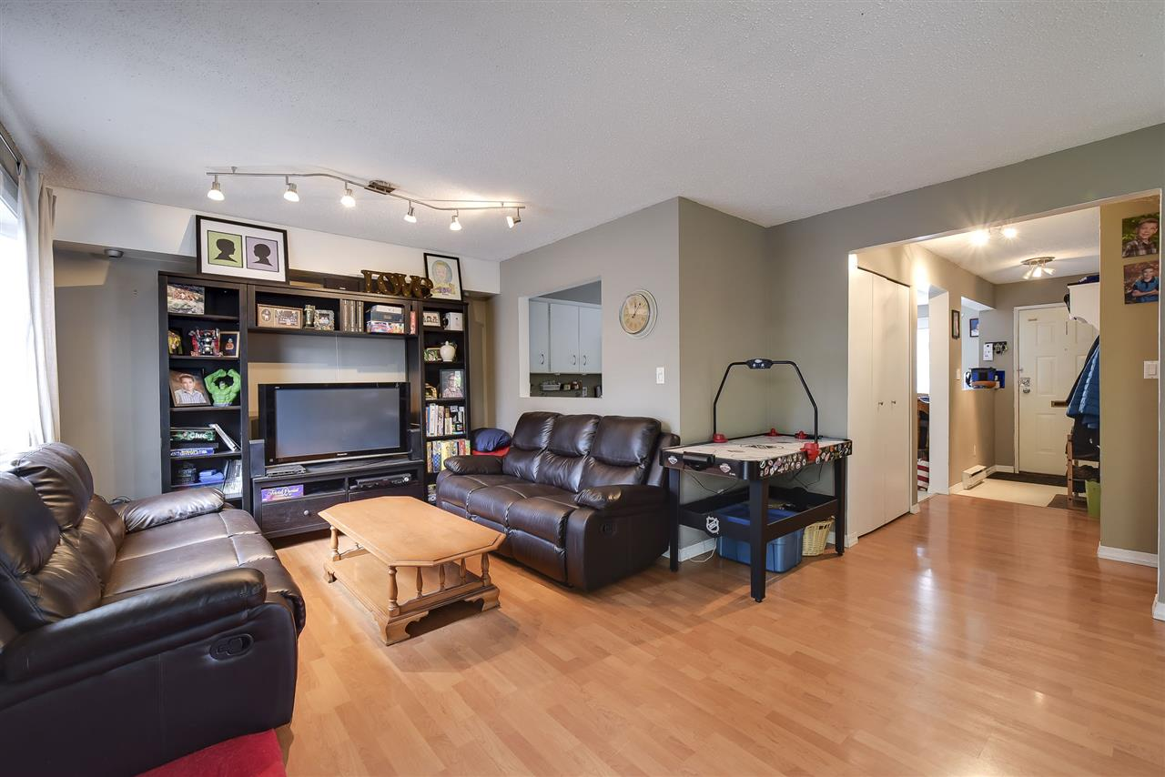 Townhouse at 5 19860 56 AVENUE, Unit 5, Langley, British Columbia. Image 8