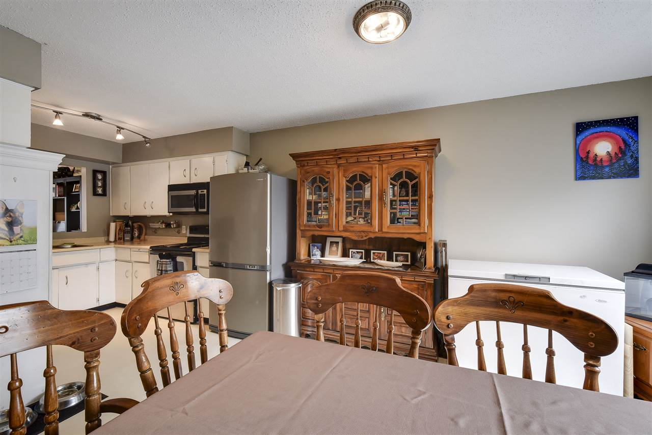 Townhouse at 5 19860 56 AVENUE, Unit 5, Langley, British Columbia. Image 12