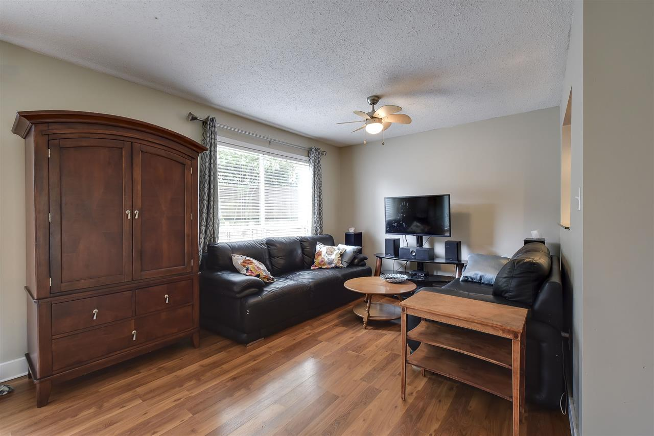 Townhouse at 4 19860 56 AVENUE, Unit 4, Langley, British Columbia. Image 4