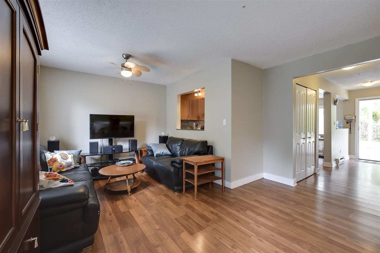 Townhouse at 4 19860 56 AVENUE, Unit 4, Langley, British Columbia. Image 5