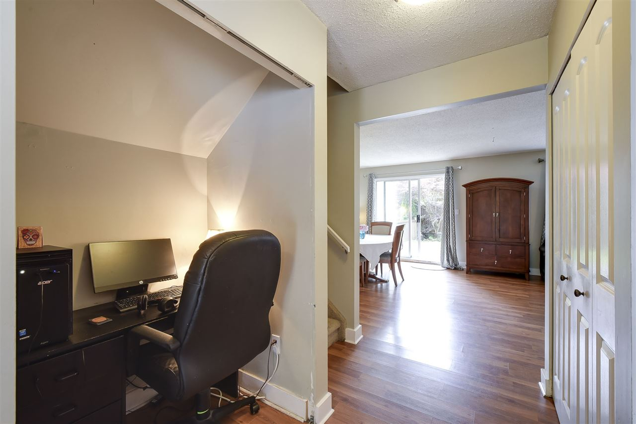 Townhouse at 4 19860 56 AVENUE, Unit 4, Langley, British Columbia. Image 13