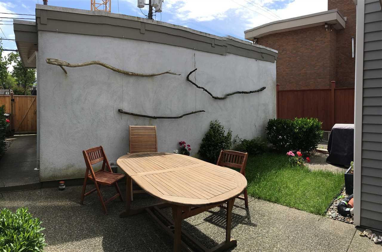 Half-duplex at 3060 W 8TH AVENUE, Vancouver West, British Columbia. Image 19