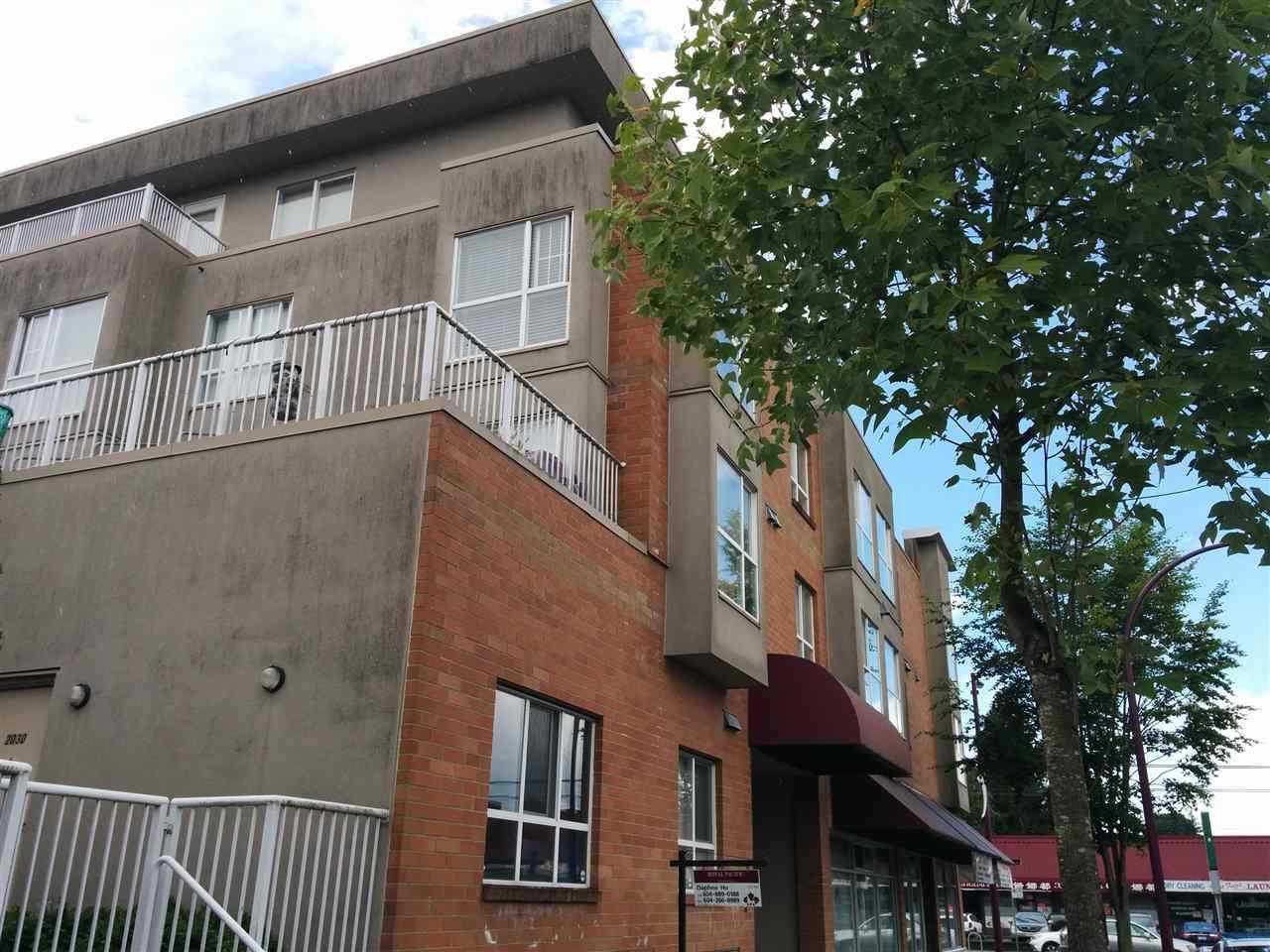 Condo Apartment at 203 2028 E 37TH AVENUE, Unit 203, Vancouver East, British Columbia. Image 2