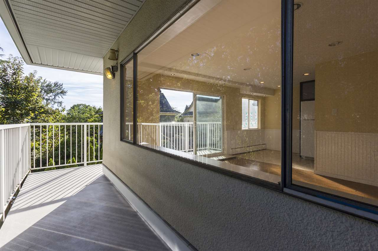 Condo Apartment at 106 815 FOURTH AVENUE, Unit 106, New Westminster, British Columbia. Image 3