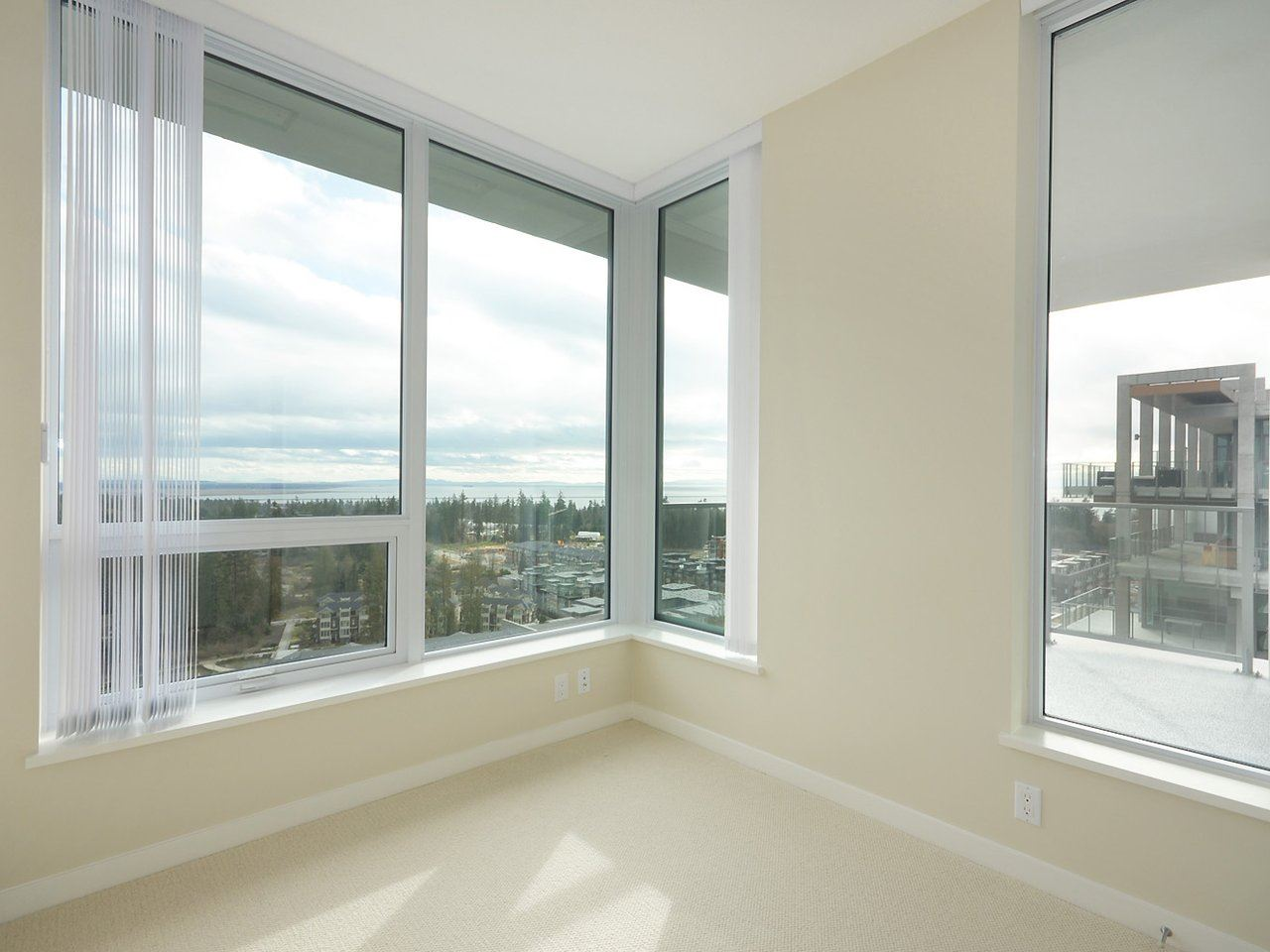 Condo Apartment at 2005 5728 BERTON AVENUE, Unit 2005, Vancouver West, British Columbia. Image 11