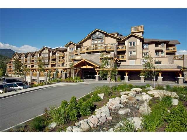 Condo Apartment at 408 40900 TANTALUS ROAD, Unit 408, Squamish, British Columbia. Image 1