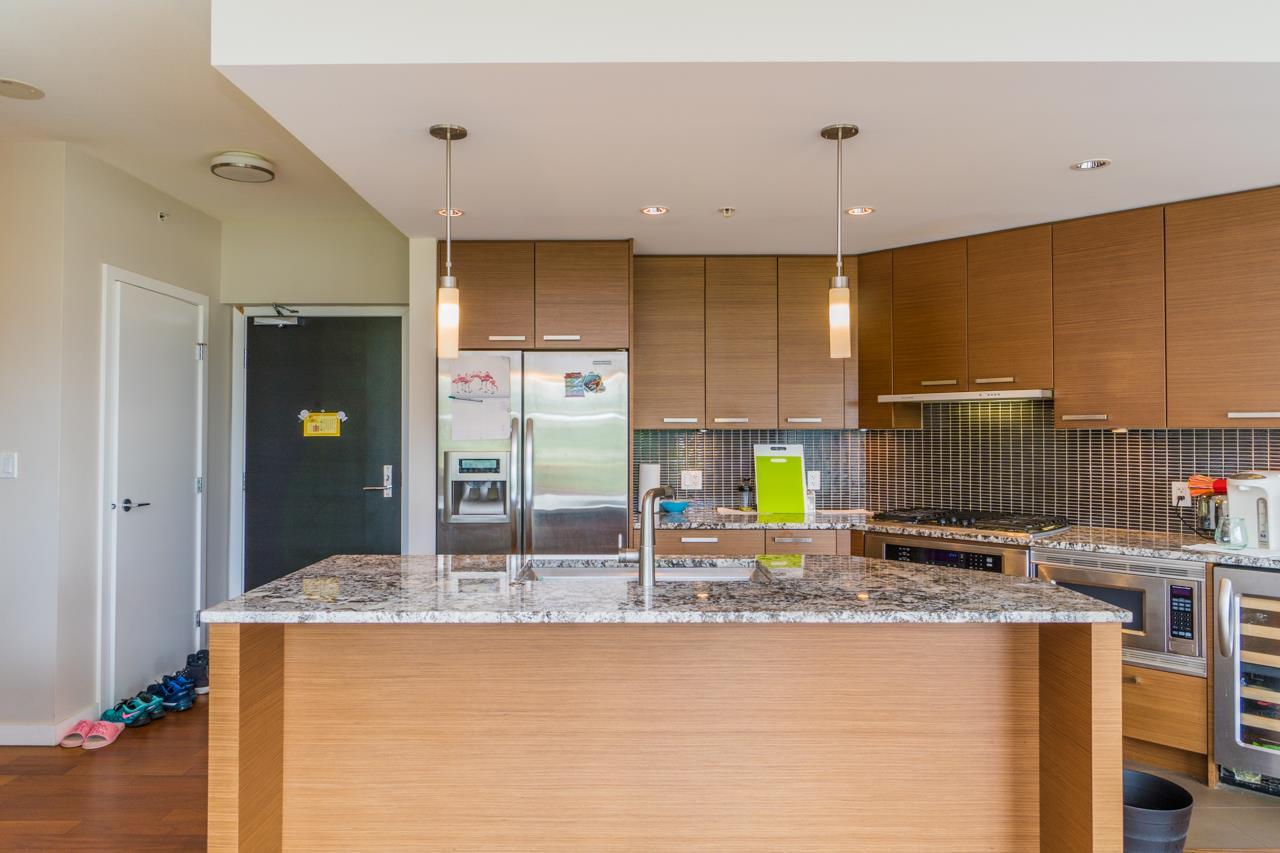 Condo Apartment at 405 6188 WILSON AVENUE, Unit 405, Burnaby South, British Columbia. Image 9