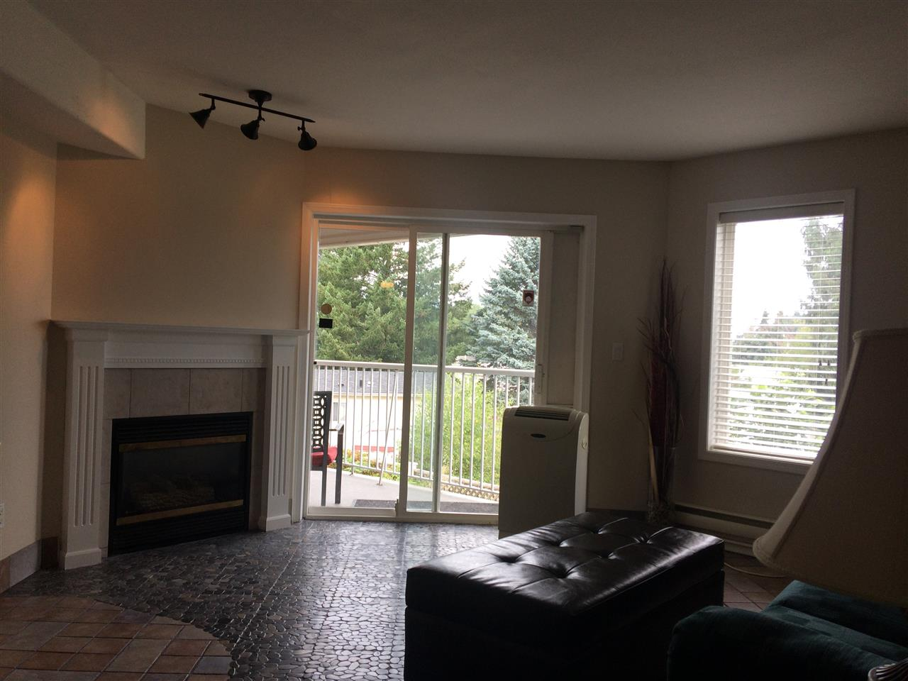 Condo Apartment at 208 5765 VEDDER ROAD, Unit 208, Sardis, British Columbia. Image 4