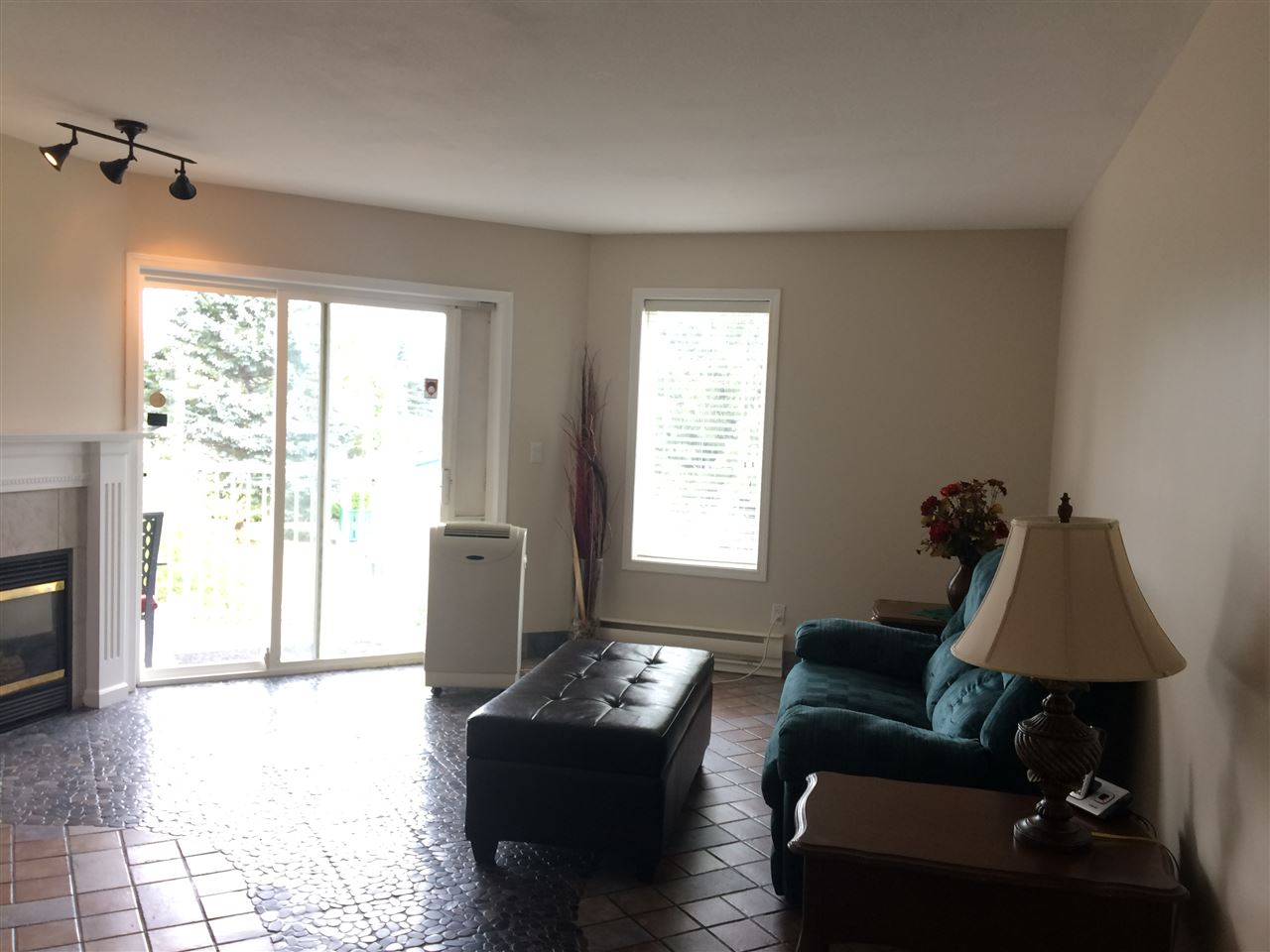 Condo Apartment at 208 5765 VEDDER ROAD, Unit 208, Sardis, British Columbia. Image 5
