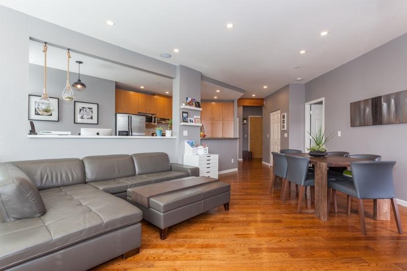 Condo Apartment at 401 580 RAVEN WOODS DRIVE, Unit 401, North Vancouver, British Columbia. Image 4