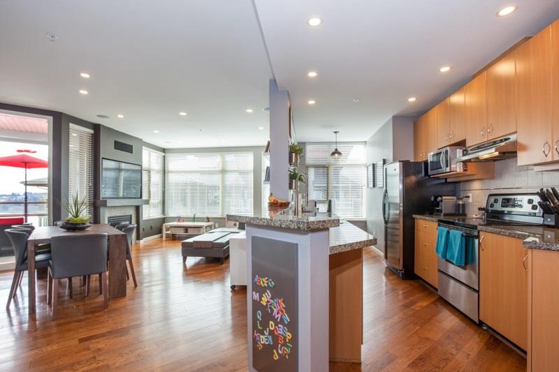 Condo Apartment at 401 580 RAVEN WOODS DRIVE, Unit 401, North Vancouver, British Columbia. Image 5