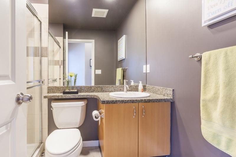 Condo Apartment at 401 580 RAVEN WOODS DRIVE, Unit 401, North Vancouver, British Columbia. Image 15